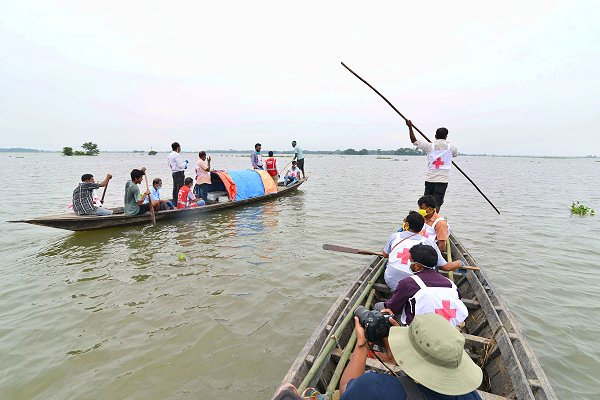 17.5 million affected by floods and threatened by disease in South Asia