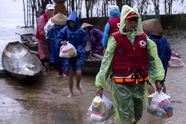 Climate scientists to put 'relentless storms and floods' devastating central Vietnam under microscope