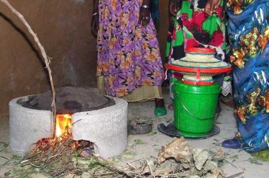 Cleaner cooking in Goro Gutu, thanks to  Ethiopian Red Cross and Netherlands partners