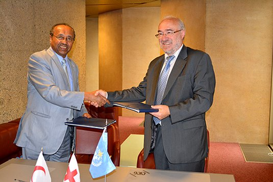 Tackling climate risks: IFRC and World Meteorological Organization sign new agreement