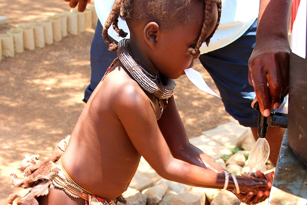 Millions of African children at risk from hunger,  water shortages and disease, says UNICEF