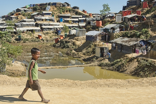 Rakhine refugees: 'No child should bear the brunt of such a crisis created by adults'